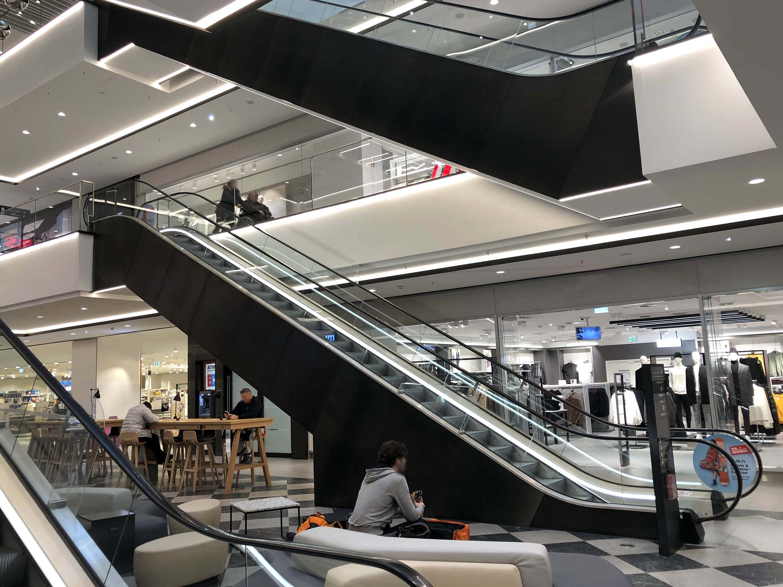 Centre commercial Munich Satin 7 Black-TiN